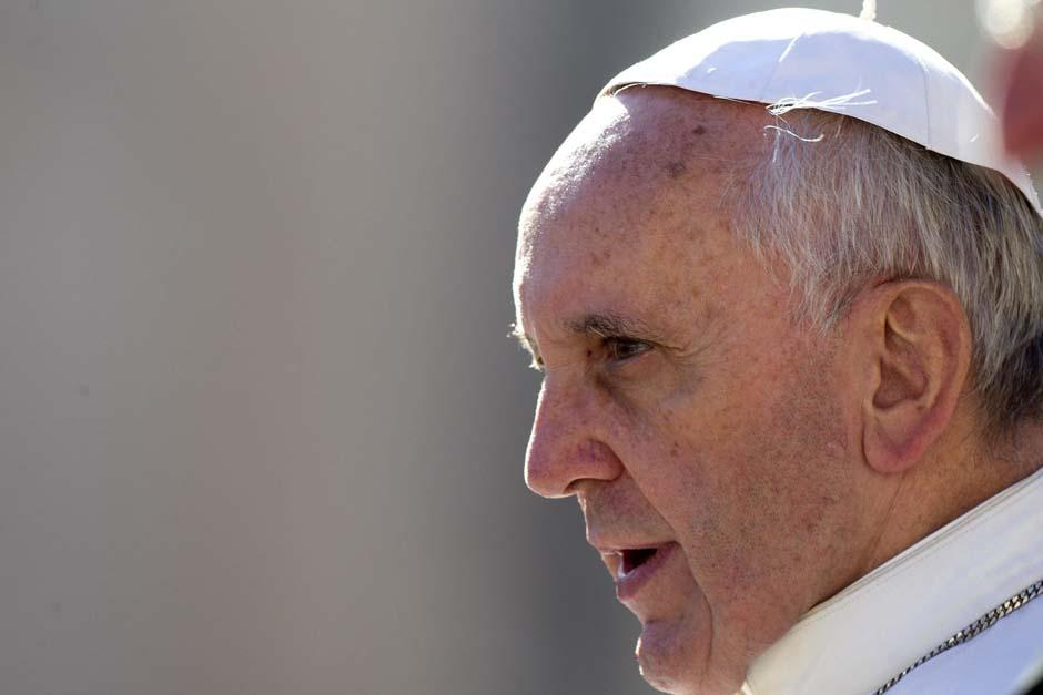 cartas que el papa Francisco recibía de fieles pidiendo ayuda era de 2 mil
