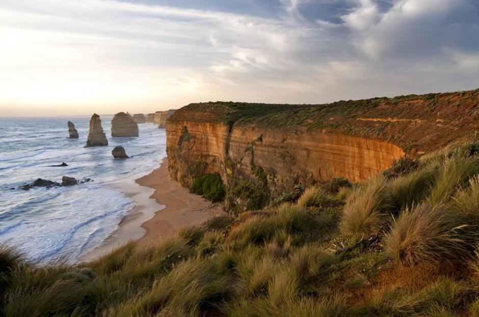 Los Doce Apóstoles en Australia es un dramático acantilado. (Foto: El País)