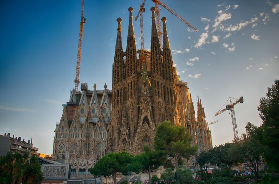 La Sagrada Familia en Barcelona se erige como un árbol frondoso. (Foto: El País)