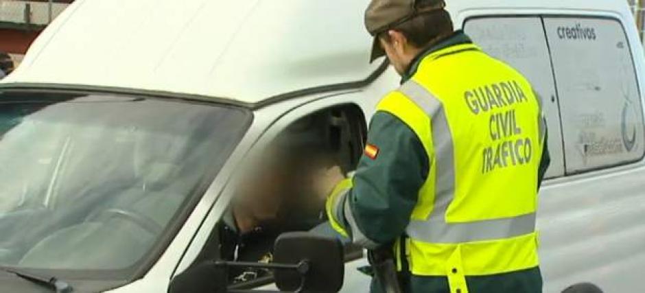 La Policía francesa le retiró la licencia al irresponsable conductor por seis meses. (Foto: 20 minutos)