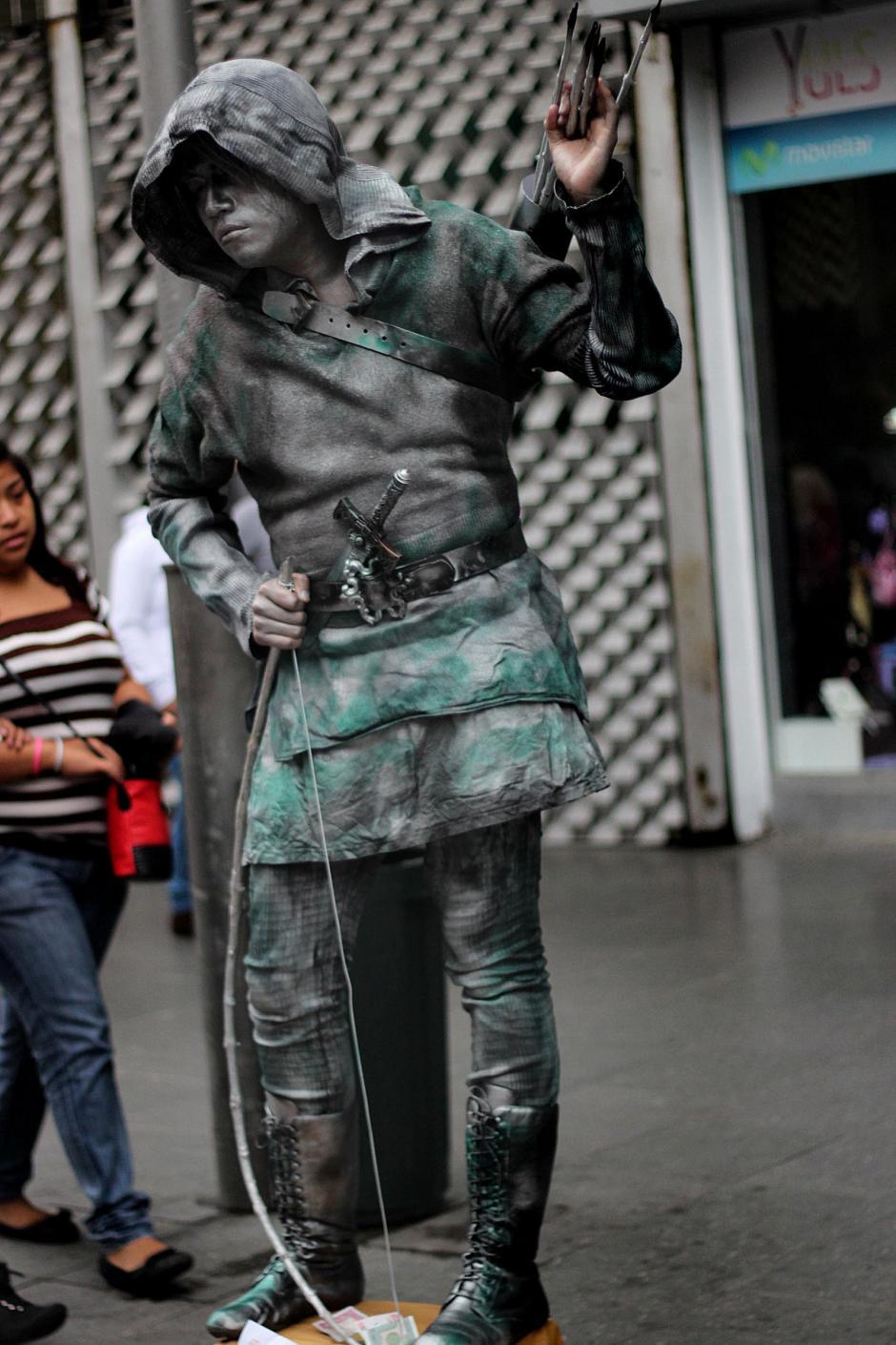 Robin Hood fue uno de los personajes representados a través de estatuas humanas. (José Dávila/Soy502)