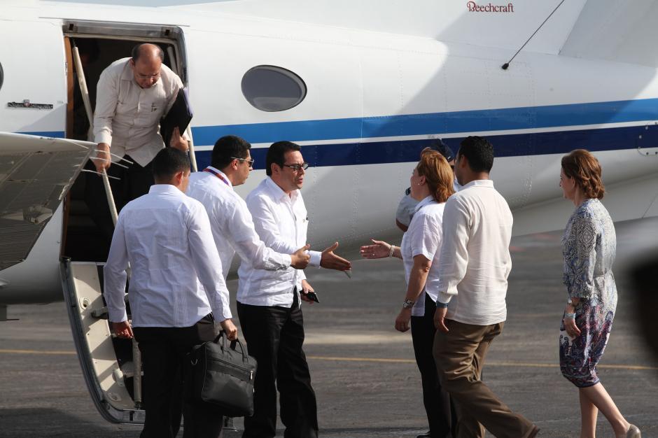 A la cumbre del SICA en Roatán, Honduras, también viajó en el avión del gobierno. (Foto: Flickr Gobierno de Guatemala)