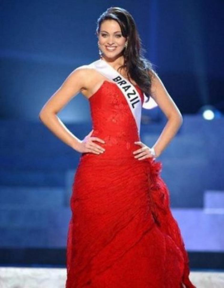 Como Miss Brasil, Fabiane Niclotti, compitió en Miss Universo en Quito Ecuador. (Foto: Miss Brasil)