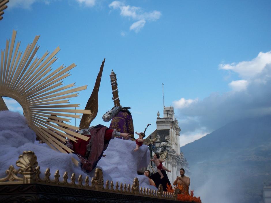 Un hermoso marco para la solemne procesión.(Foto: Raúl Illescas/Especial para Soy502)