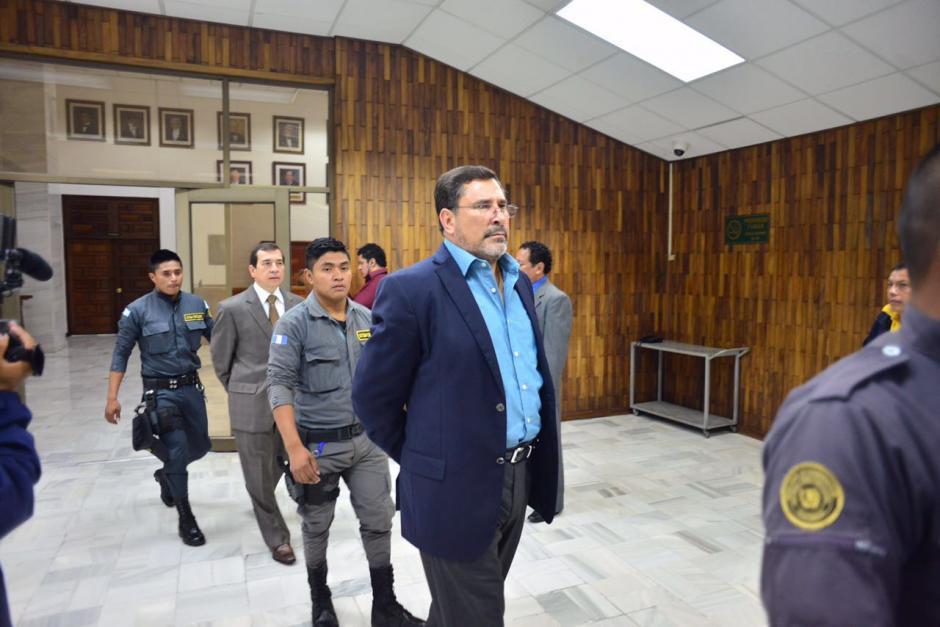 El exministro de Defensa, Ulises Anzueto llega a la Sala de Vistas para la continuación de la audiencia. (Foto: Jesús Alfonso/Soy502)