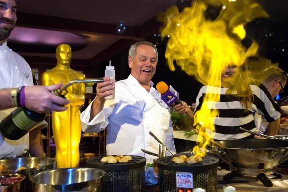 El chef australiano Wolfgang Puck durante la rueda de prensa de la edición número 88 del Oscar (EFE/EUGENE GARCÍA)