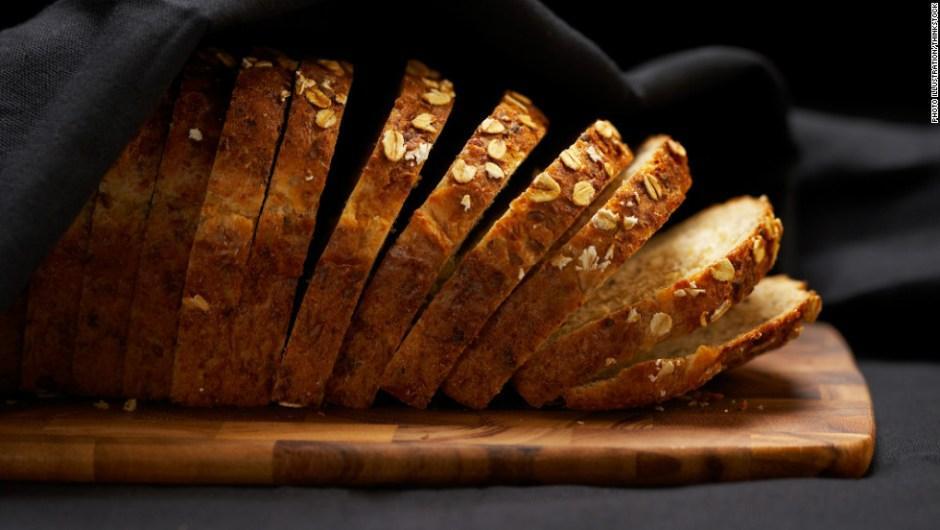 Los carbohidratos son permitidos en esta dieta, en especial la variedad de granos enteros. Debes incluir tres porciones al día. (Foto: cnn)