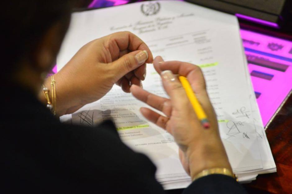 Una jornada de 12 horas de debates, aprobaciones y desacuerdos llevó finalmente a buen puerto en el Congreso. (Foto: Jesús Alfonso/Soy502)