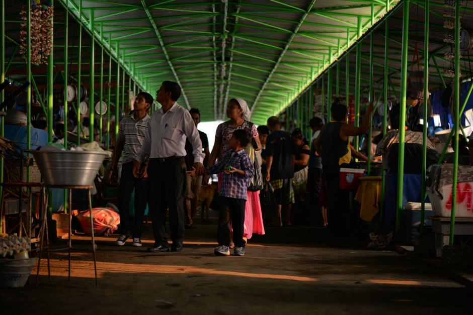 Los puestos de venta abren muy temprano. (Foto: Wilder López/Soy502)
