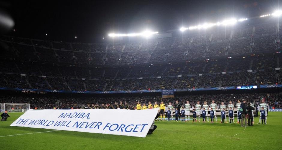 Todos los juegos de la Champions iniciaron con un homenaje a Nelson Mandela.