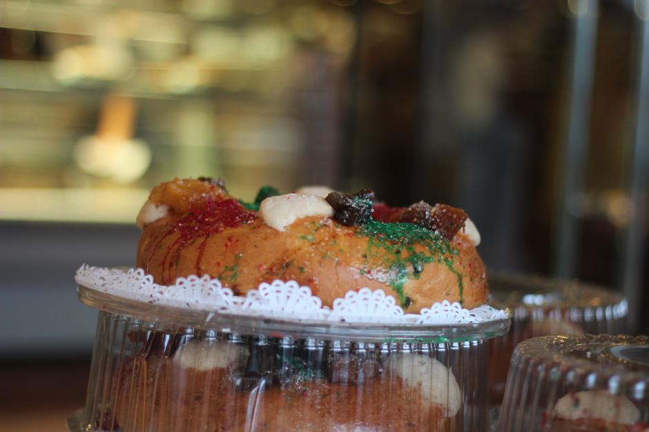 La rosca de Reyes y regalos son tradiciones que se hacen en Guatemala cada 6 de enero. (Foto: José Davila/Soy502)