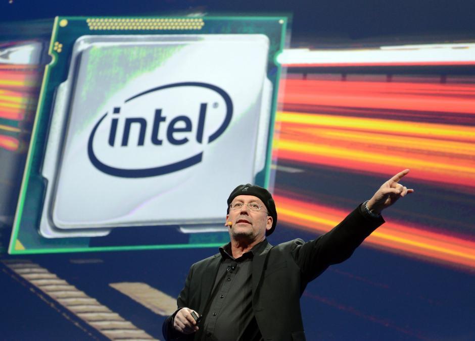 El vicepresidente senior de Intel, Mooly Eden, habla durante la Feria Electrónica CES en Las Vegas, Nevada. El evento irá del 7 al 10 de enero de 2014 y se esperan 3.200 expositores en éste. (Foto: EFE/Britta Pedersen)