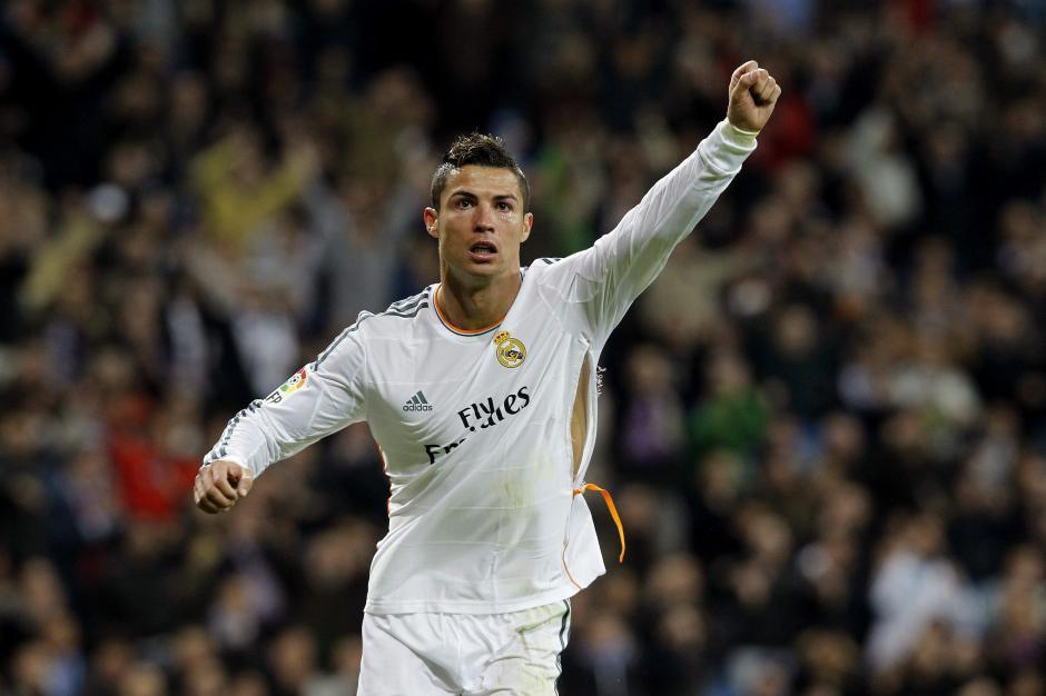 Cristiano Ronaldo es el blanco de los defensas rivales y tiene que lidear con fuertes marcas en cada encuentro. (Foto: EFE)