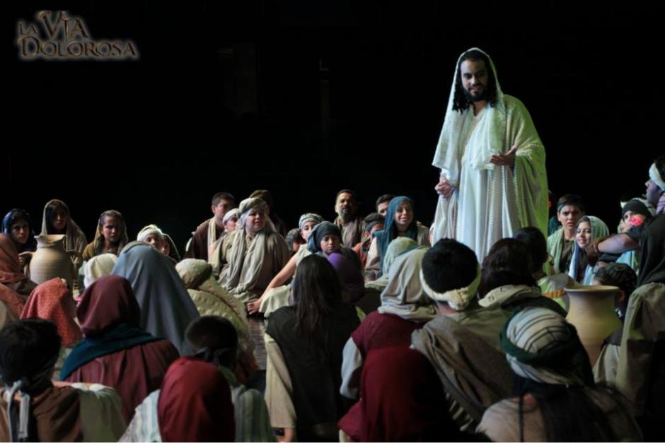 La popular obra esta compuesta por 100 actores en escena. (Foto: Facebook)