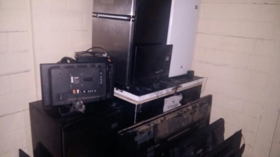 El SP también localizó un congelador y 3 frigobar en diversos espacios de la cárcel Mariscal Zavala. (Foto: Sistema Penitenciario)