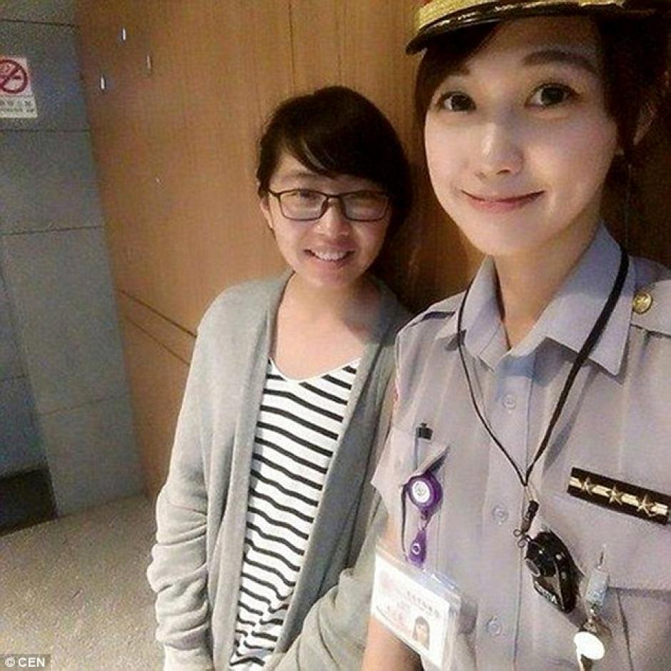 Huang se graduó de la Academia de Policía de Taipei en 2013, luego fue transferida a la ciudad de Taipei. (Foto:Daily Mail)