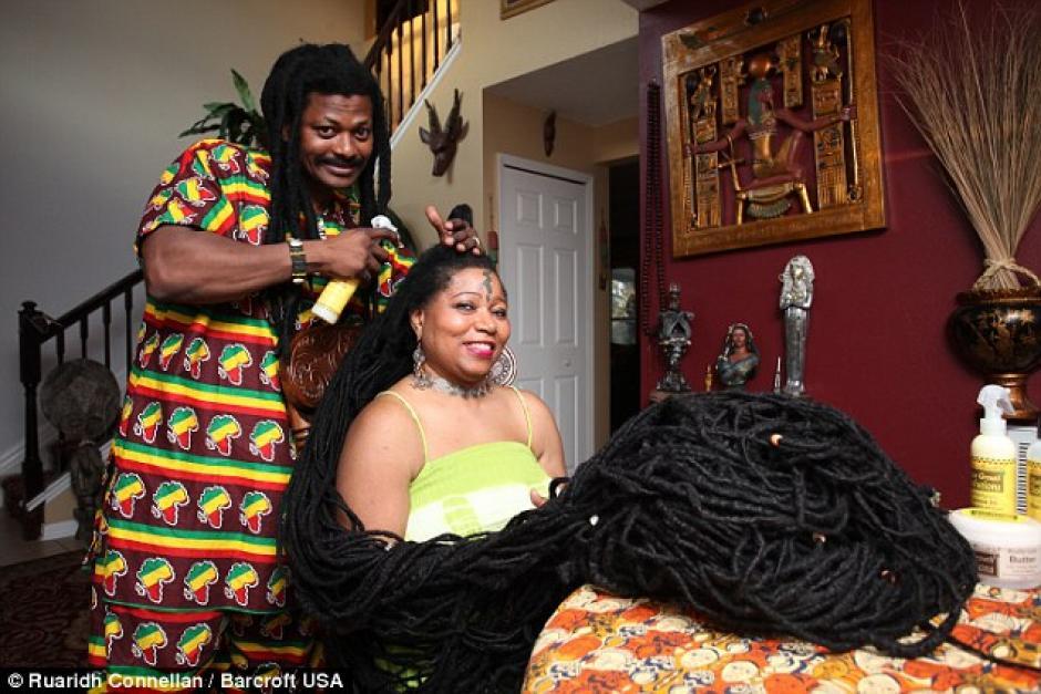 Asha ha dejado crecer su cabello durante 25 años, luego de mudarse a Nueva York. (Foto: www.dailymail.co.uk)