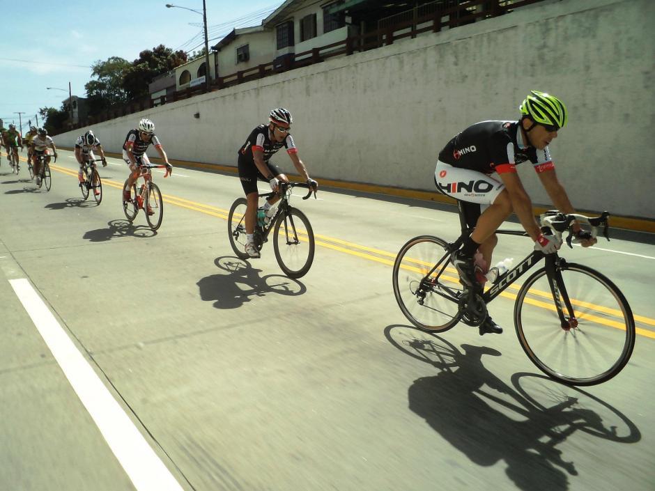"""Este sábado el movimiento """"Bicicletas Blancas Guatemala"""" convocó a una actividad """"homenaje"""" para Juan Pablo Gularte. El punto de encuentro es en el Obelisco a las 5 de la tarde.(Foto: Facebook Juan Pablo Gularte)"""