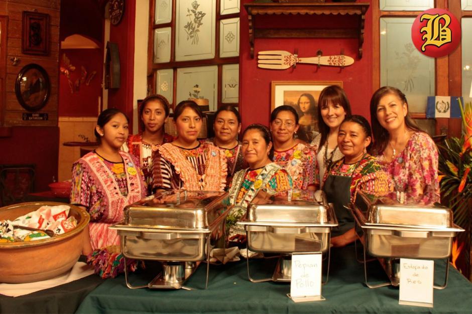 El personal que atendía el negocio, ubicado en la zona 1 de Quetzaltenango, siempre sonreía en todo momento.(Foto: Café Baviera)