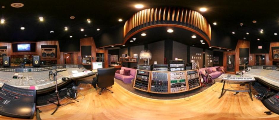 El estudio de grabación fue diseñado por el arquitecto Bret Theon. (Foto: dailymail.co.uk)