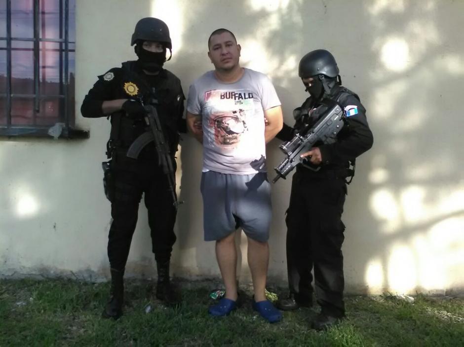 Óscar Alfonso García León fue detenido por ser el presunto líder de la estructura criminal. (Foto: PNC)