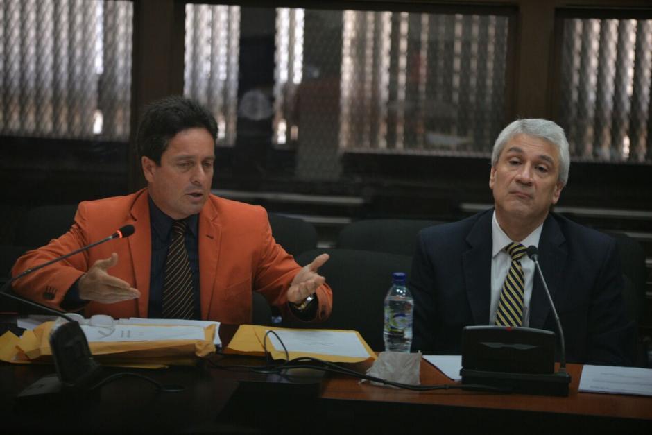 Enrique Castellanos fue acompañado de su abogado en la audiencia con el juez Gálvez. (Foto: Wilder López/Soy502)
