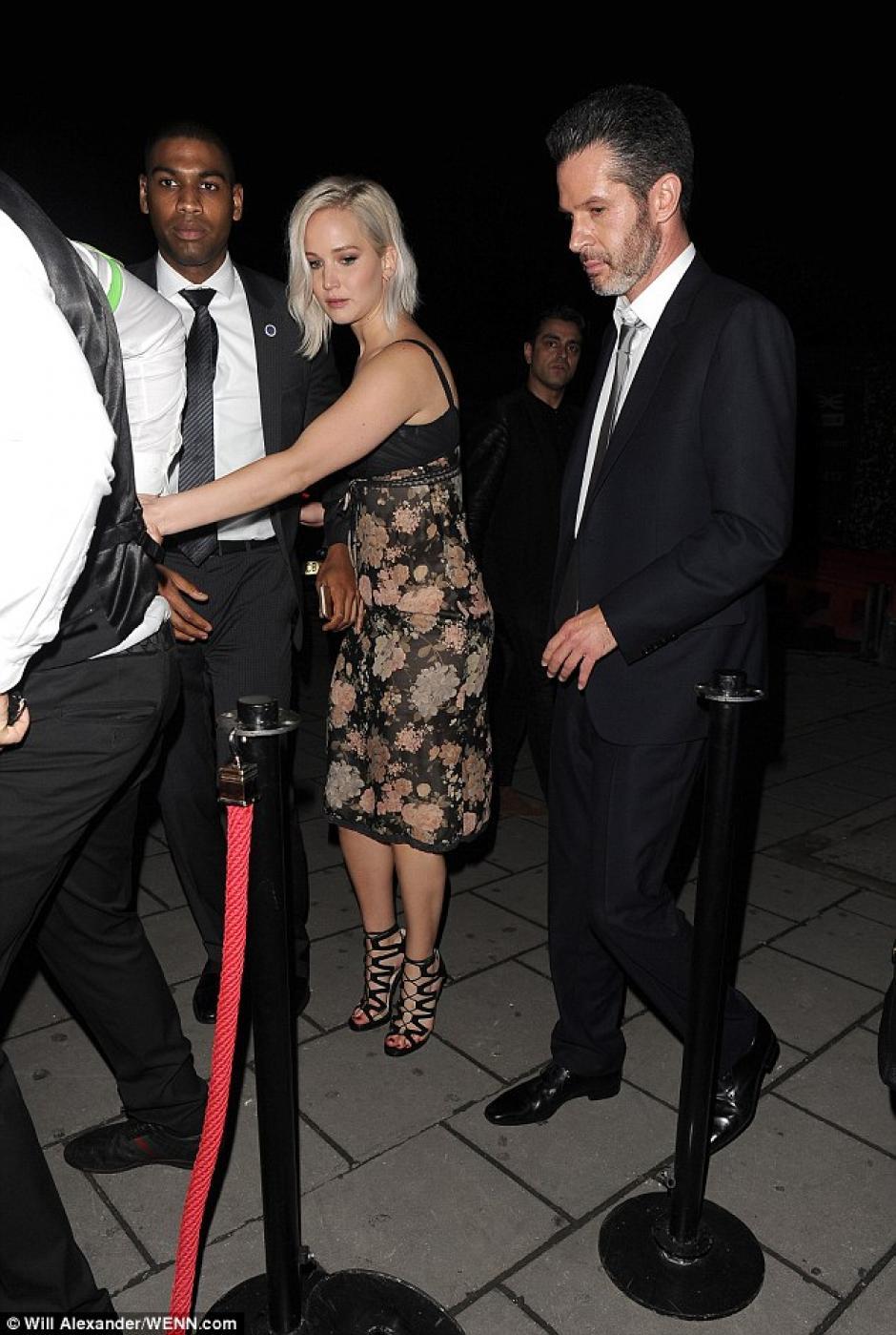 La actriz llegó con el director Simon Kinberg. (Foto: Will Alexander/WENN.com)