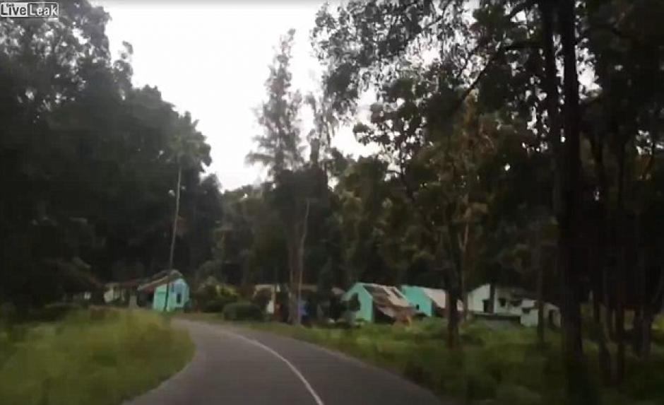 El viaje empezó de la forma más tranquila y nada se había observado en el video. (Foto: Youtube)
