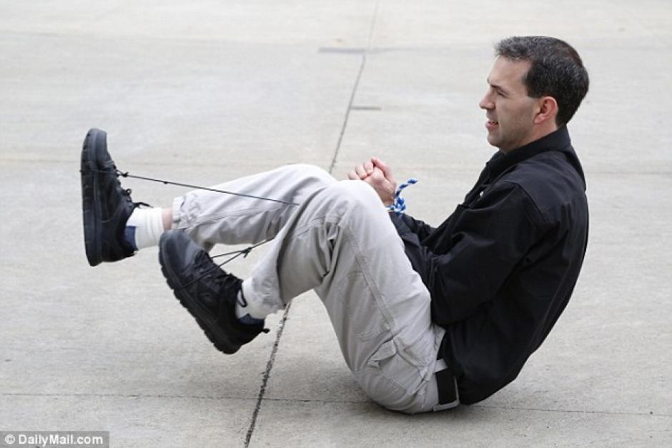 Un cordón y tus zapatos podrían ser tus mejores amigos. (Foto: dailymail.co.uk)