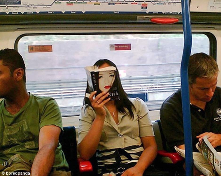 En un metro de Japón (Foto: dailymail.co.uk)