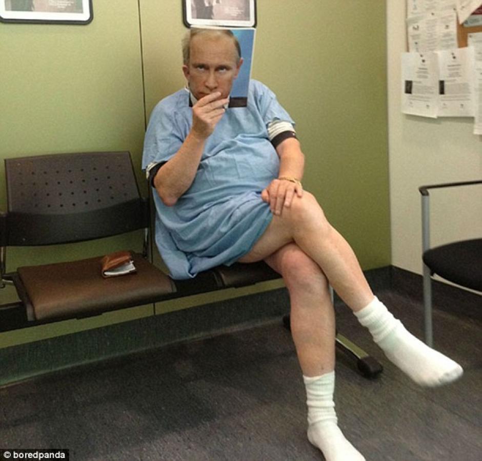 El presidente ruso Vladimir Putin aparece en la sala de espera de un hospital. (Foto: dailymail.co.uk)