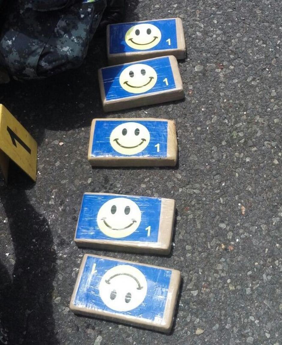 """Las paquetes estaban identificados con una """"carita feliz"""".  (Foto: PNC)"""