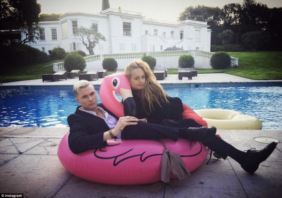 El hermano de Paris Hilton, Barron, comparte una foto en su mansión. (Foto: dailymail.co.uk)