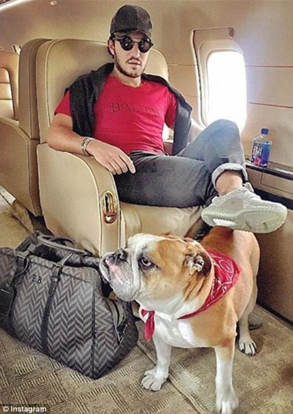Viajes en jets privados hasta con el perro. (Foto: dailymail.co.uk)