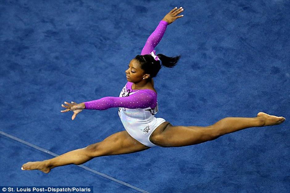 Simone Biles cautivó al mundo con su rutina en un campeonato de San Luis, Estados Unidos. (Foto: St. Louis Post)