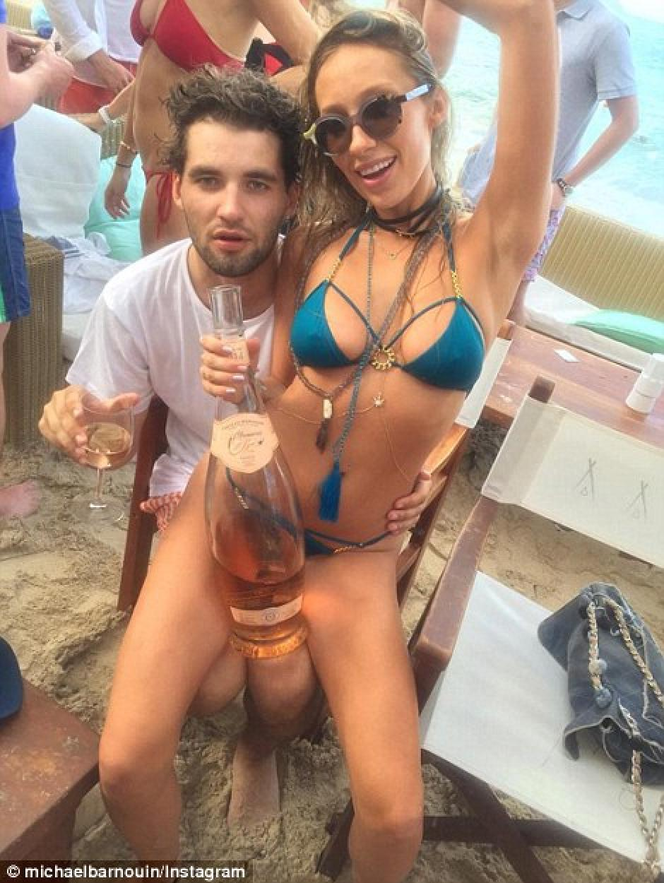 Todo el tiempos comparten fotografías de exuberantes fiestas en la playa. (Foto: dailymail.co.uk)