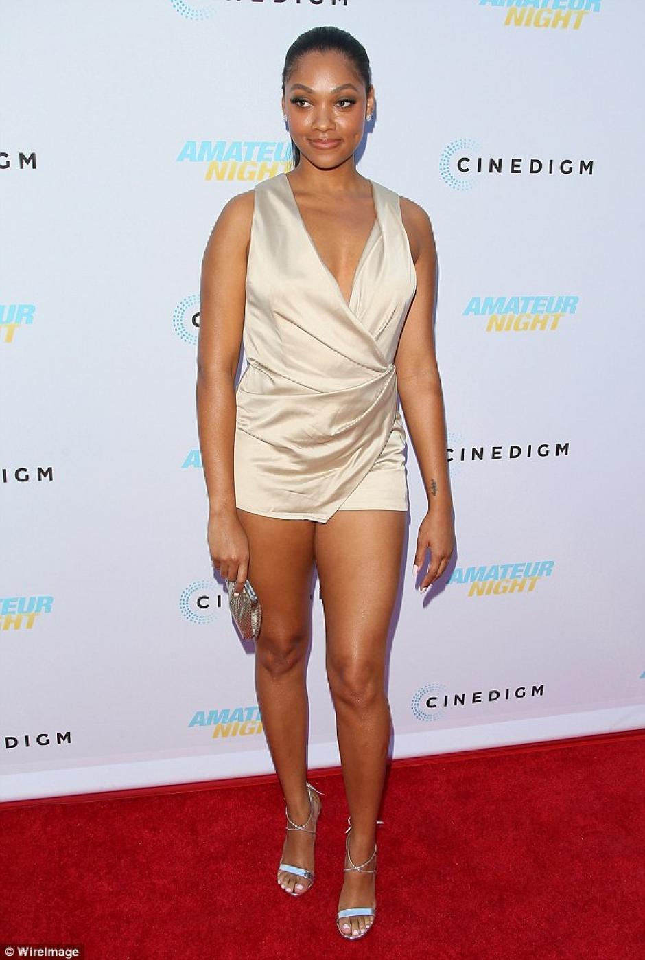 Bria lucía un vestido corto y fue el centro de atención de la prensa. (Foto: Dailymail)