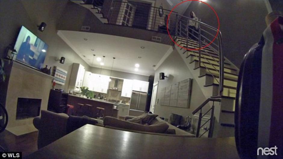 EL hombre estuvo muy cerca de la pareja que estaba dormida. (Foto: dailymail.co.uk)