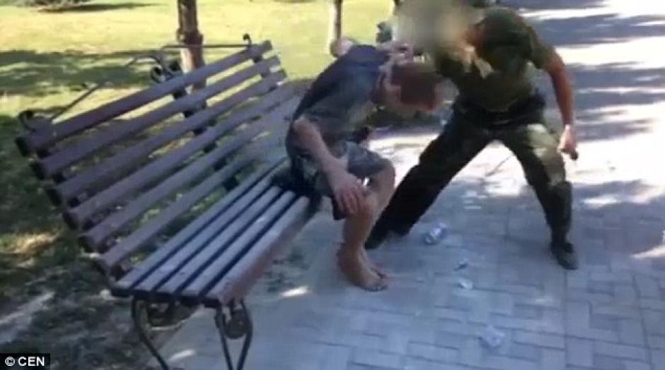 Los latigazos fueron parte del castigo físico. (Foto: dailymail.co.uk)