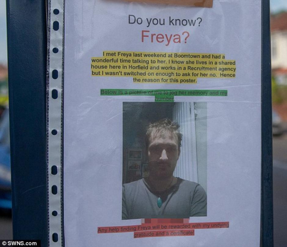 Al final del texto detalla que quien le ayude a encontrarla le dará las gracias y un certificado. (Foto: Daily Mail)