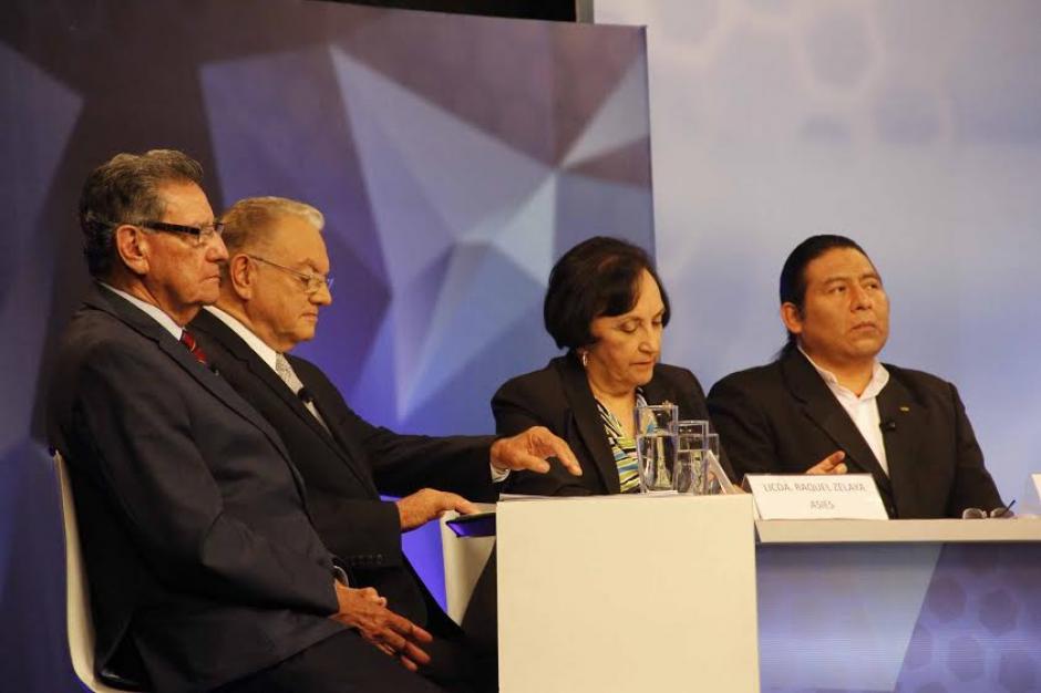 El panel del personal que llegó por parte de Asíes Guatemala