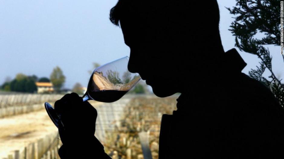 En la dieta MIND se permite beber una copa de vino al día. (Foto: cnn)