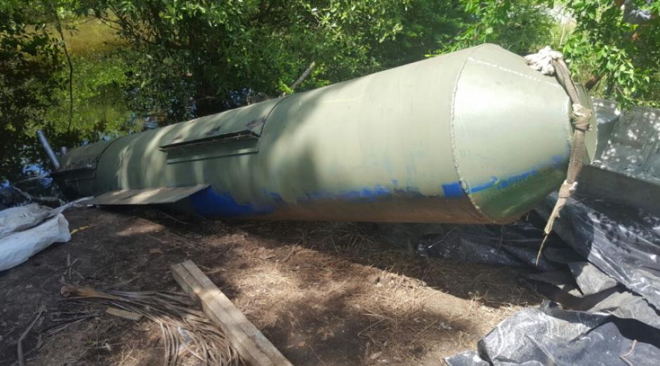 Ninguna persona fue detenida en el lugar del allanamiento donde se localizó el submarino. (Foto: MP)