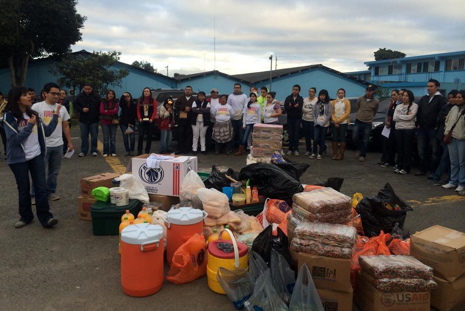 Los voluntarios reúnen víveres cada semana, para llevar a cabo sus actividades. (Foto: Luis Barrios/Soy502)