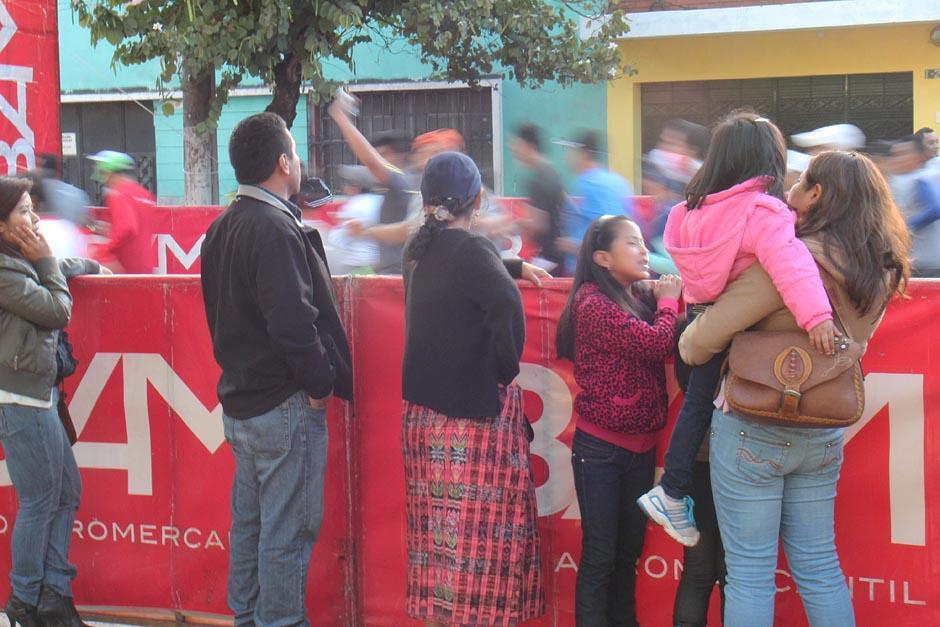 Los corredores salieron a las 7 de la mañana de la avenida Juan Chapín, a un costado del Cerrito del Carmen