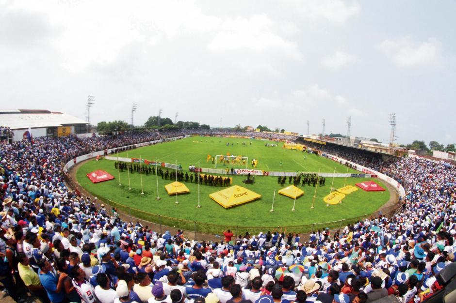 Suchi, en el Carlos Salazar, puede recibir a 10 mil 500 personas. (Foto: Nuestro Diario)