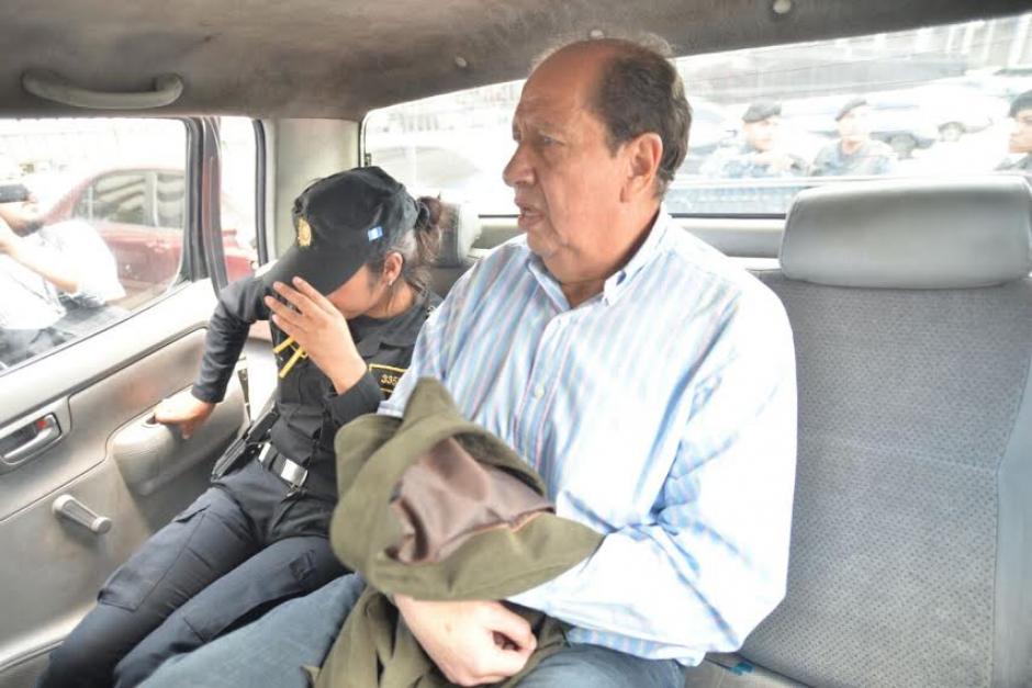 Los sindicados en el caso de Plazas Fantasmas escucharon el motivo de su detención. (Foto: Wilder López/Soy502)