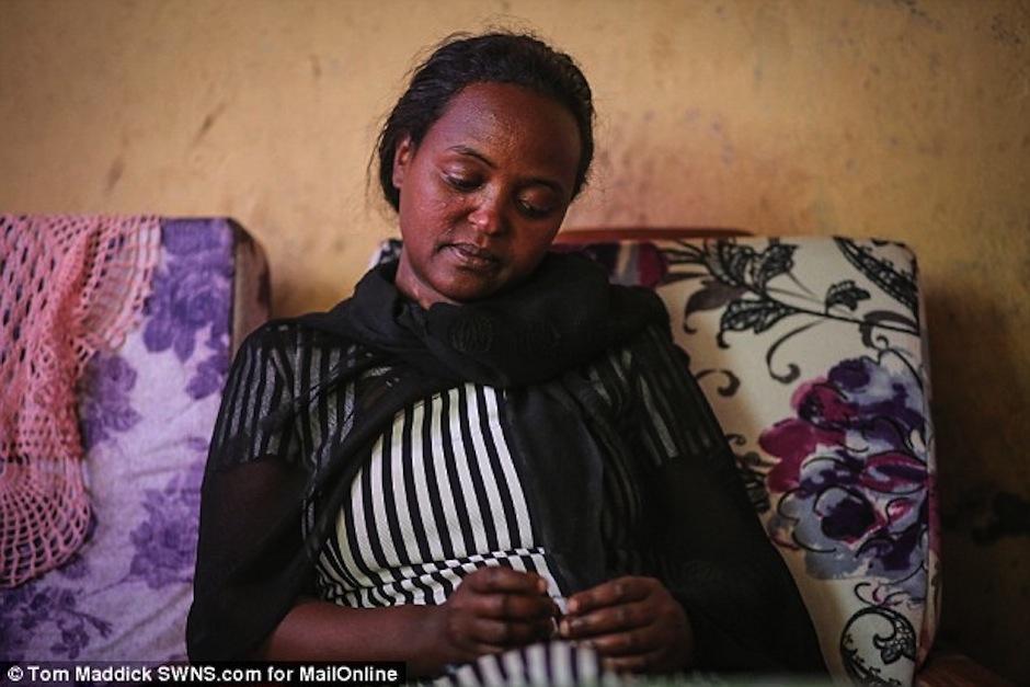 Veremos si esta madre logra contactarse. (Foto: Daily Mail)