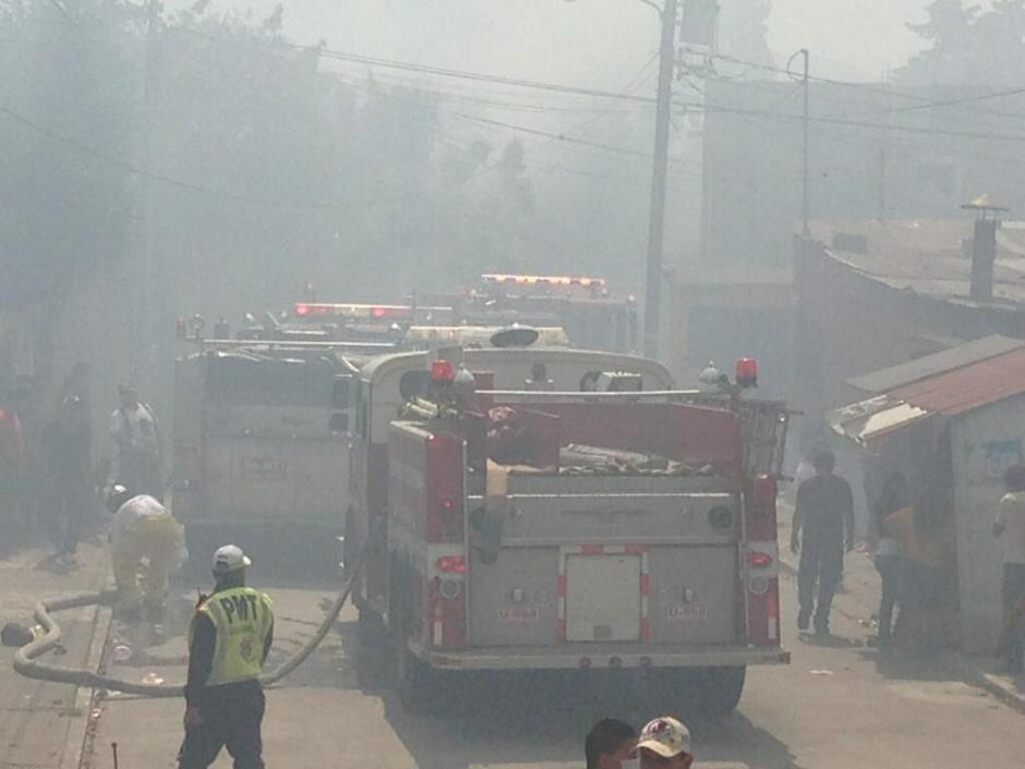 Autoridades no reportan personas heridas por el incendio. (Foto: Twitter)