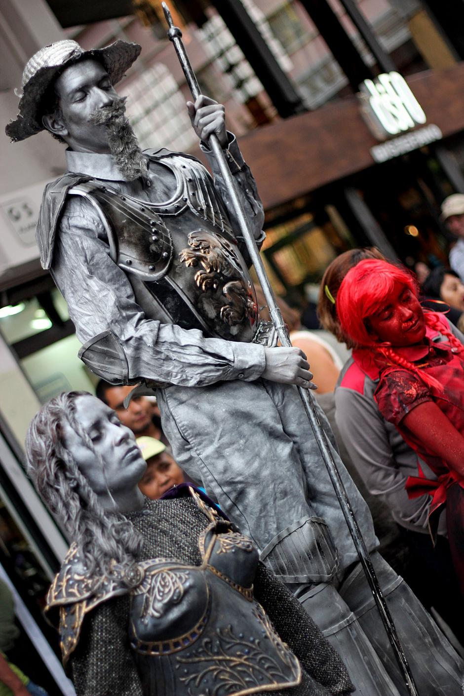 El Quijote de la Mancha fue representado con una estatua humana.